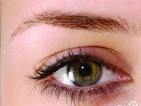 描写眼睛的句子